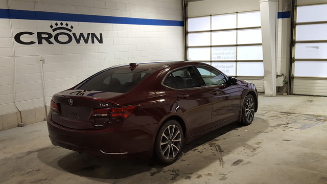Pre-Owned 2015 Acura TLX Tech V6 SH-AWD **Navigation** Local Trade In ** Crown Original**