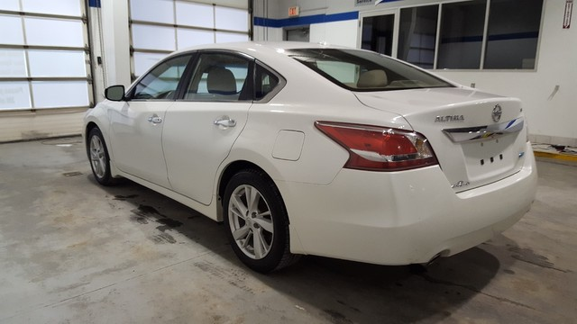 Pre-Owned 2013 Nissan Altima 2.5 SL **Heated Leather Seats** Sunroof**
