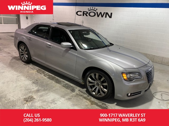 Pre-Owned 2014 Chrysler 300 300S RWD/Navigaiton/Leather/Panoramic roof/Heated seats