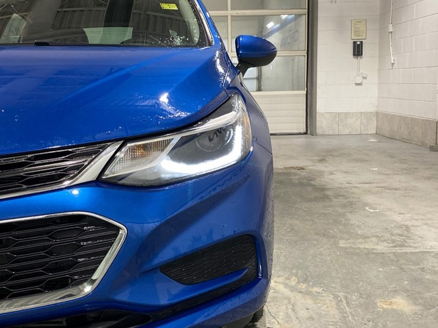 Pre-Owned 2018 Chevrolet Cruze LT / Bluetooth / Heated seats / Rear view camera
