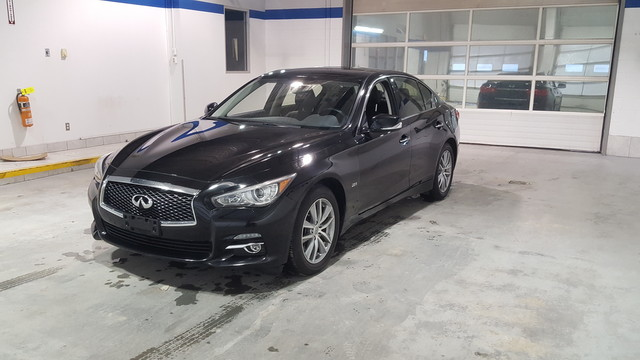 Pre-Owned 2016 INFINITI Q50 2.0T All Wheel Drive ** Navigation** Heated Leather Seats**