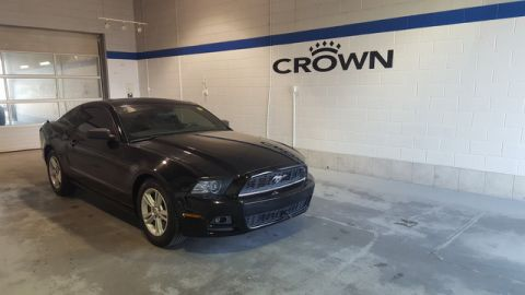 Pre-Owned 2014 Ford Mustang Premium **Brand New Tires** Low Kms**