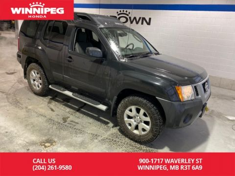 Pre-Owned 2012 Nissan Xterra Automatic / SV / Sunroof / 4x4 / Low KM